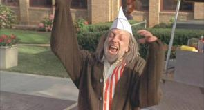 Chris Elliott in 'Scary Movie 2'