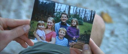 Dwier Brown (with his family) in photo from before their off-screen deaths in 'Red Dragon'