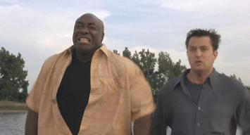 Michael Clarke Duncan (with Matthew Perry) in 'The Whole Nine Yards'