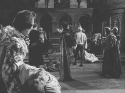 Terence Morgan (foreground) in 'Hamlet' (1948)